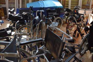 Wózki inwalidzkie, chodziki przekazane Gminnemu Ośrodkowi Pomocy Społecznej